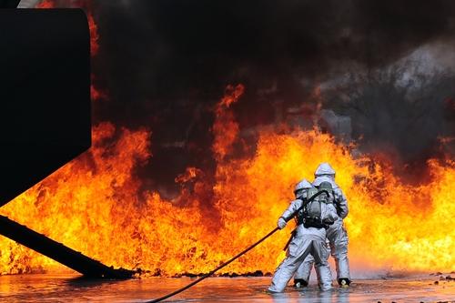 Fighting a jet ful fire