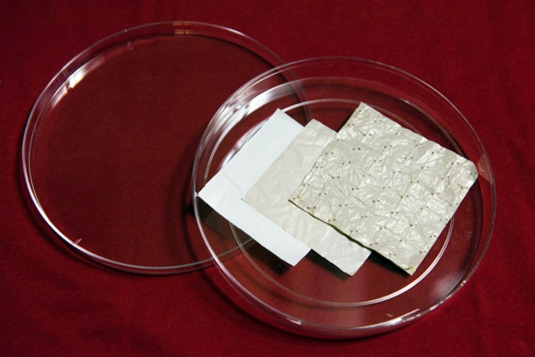 Samples of heat-emitting materials
