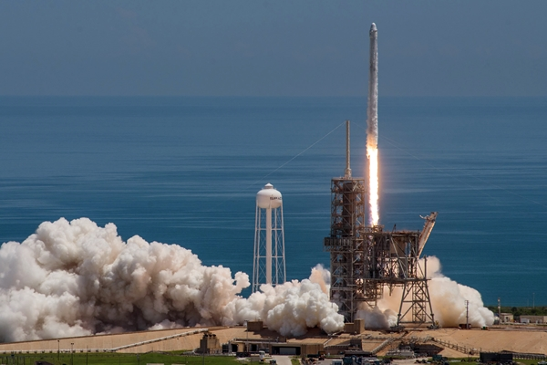 SpaceX Falcon lift-off