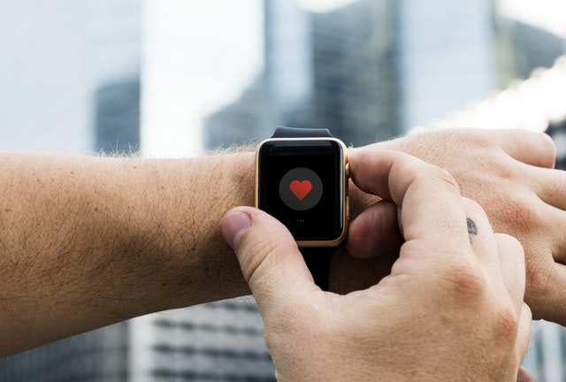 Operating a smart watch