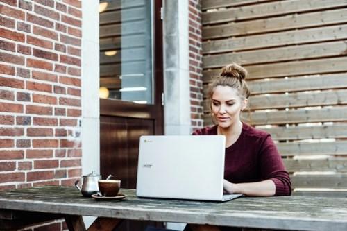 Outdoor laptop