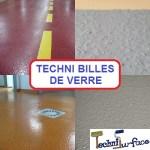 TECHNI SURFACE_TECHNI BILLES DE VERRE_Antidérapants photo montage + titre
