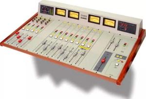 Console broadcast radio solidyne 2300XL