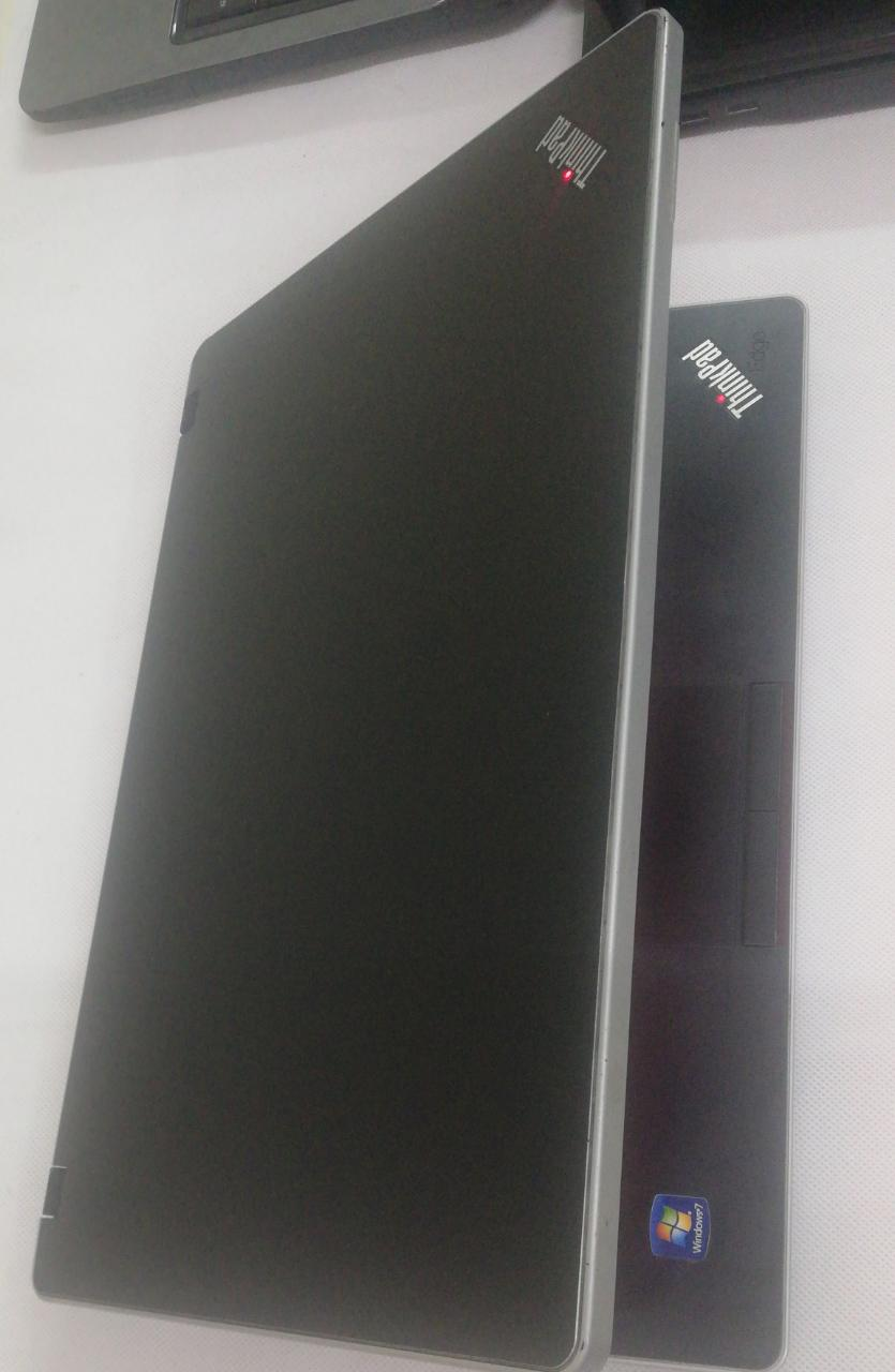 Lenovo Core I3 4GB Ram 320 G Hard desk 1700MB VGA internal