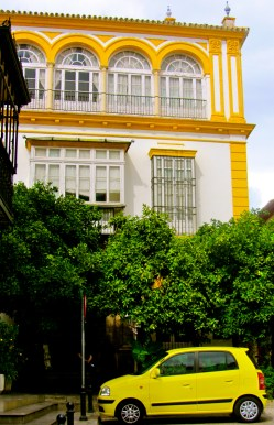 Yellow windows and car Seville - TN