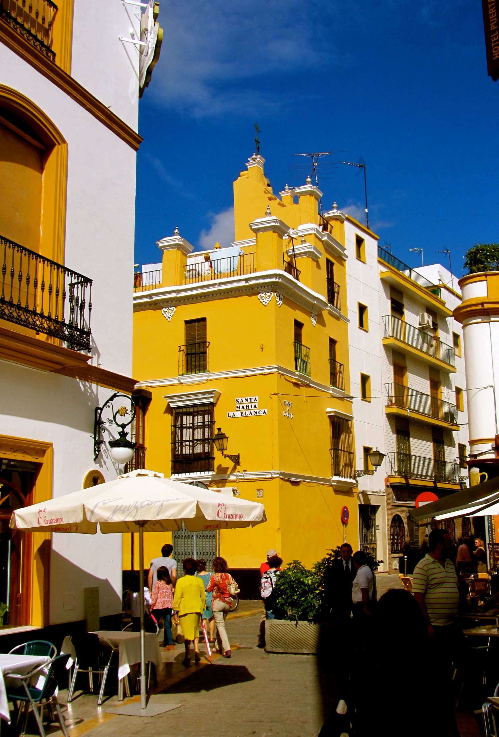 Yellow Square - Seville