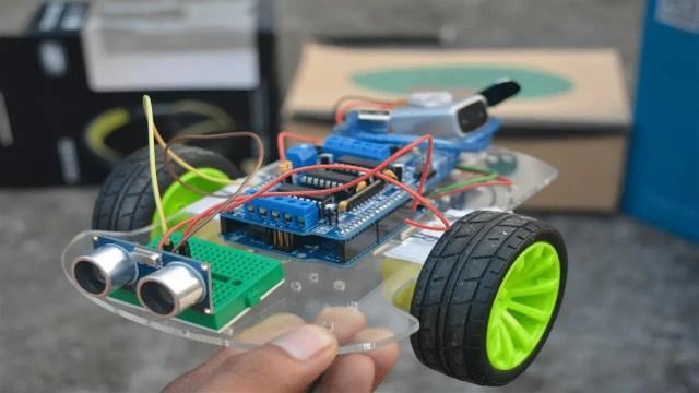 Build obstacle avoiding robot using Arduino