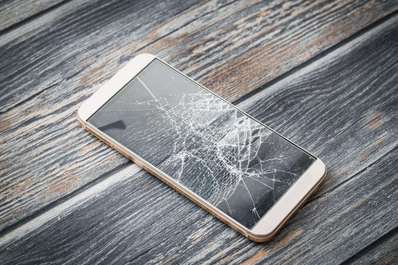 The Average Cost of iPhone Screen Repair