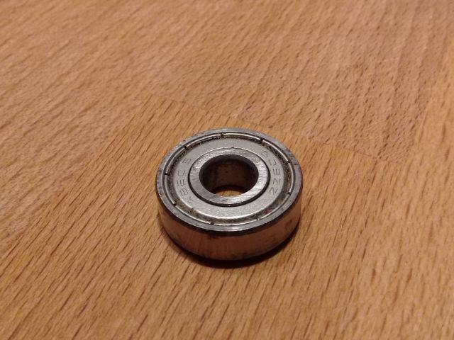 Comment nettoyer ses roulements de patins de roller hockey - Roulement à protections latérales métalliques serties