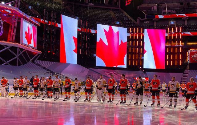 Les Flyers de Philadelphie contre les Penguins Pittsburgh lors des premiers matchs de l'après-Covid - Photographe inconnu, via le facebook de la LNH