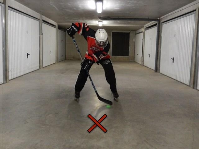 Recevoir une passe dans les patins - Statique - A ne pas faire - Technique Hockey