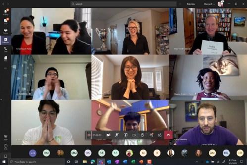 2020 Imagine Cup Światowi finaliści słuchają, jak prezydent Microsoft Brad Smith ogłasza zwycięzcę. 2020 Imagine Cup Światowi finaliści słuchają, jak prezydent Microsoft Brad Smith ogłasza zwycięzcę