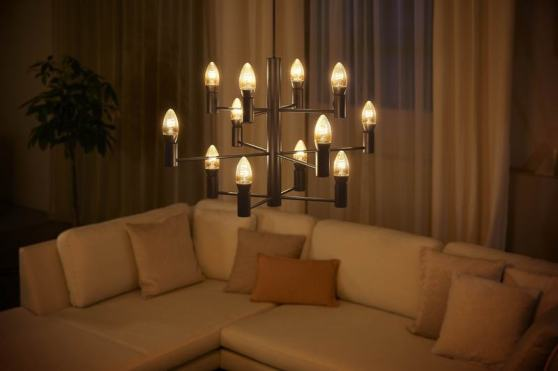 Philips Hue White Filament E14 candle bulb