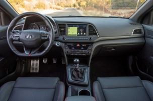 2017 Hyundai Elantra Sport interior