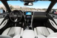 2017 Infiniti Q60 interior