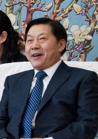 https://en.wikipedia.org/wiki/File:Lu_Wei_2015.jpg