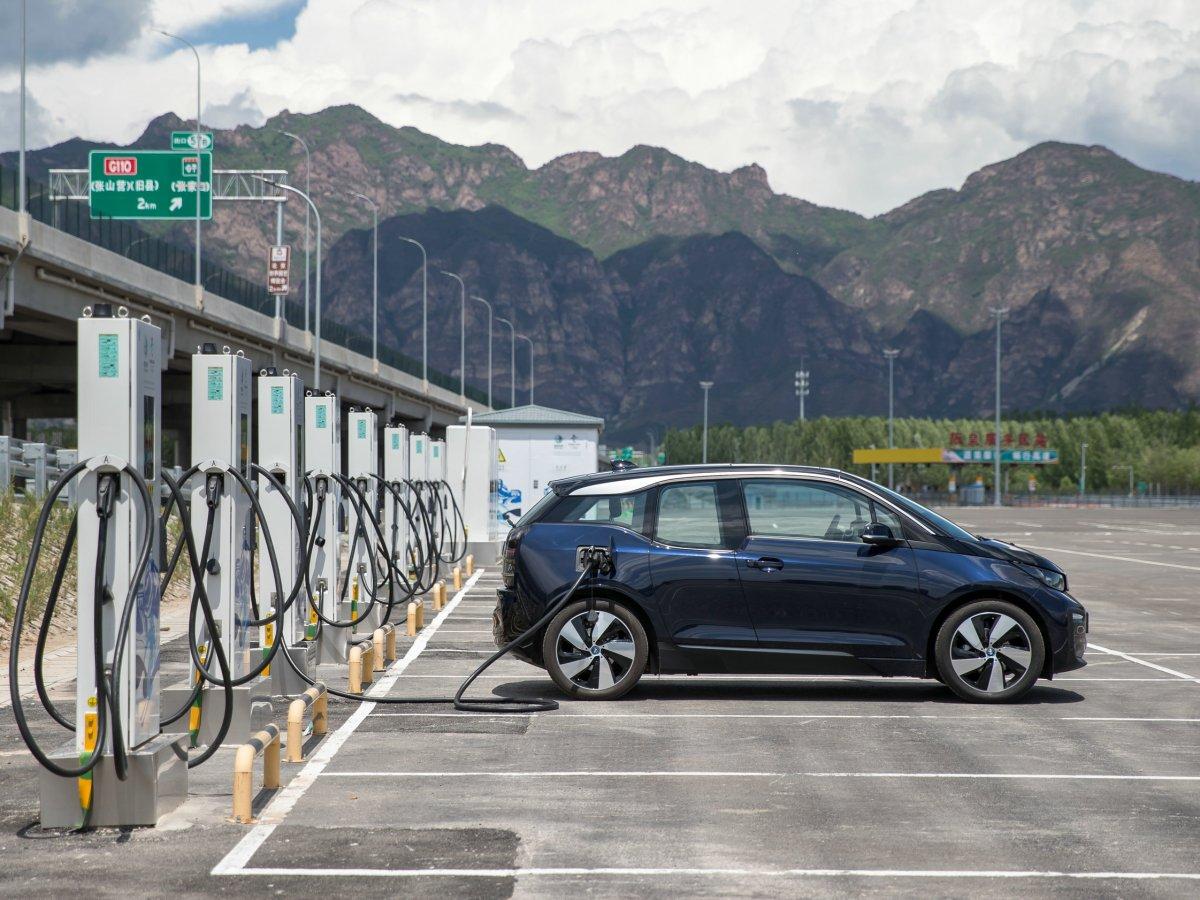 BMW EV electric vehicle car new energy