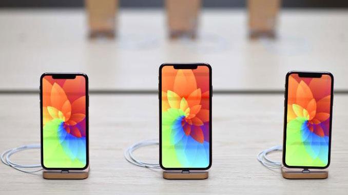 एप्पलले सन् २०२०मा ओएलईडी सहितको ३ नयाँ आइफोन ल्याउने