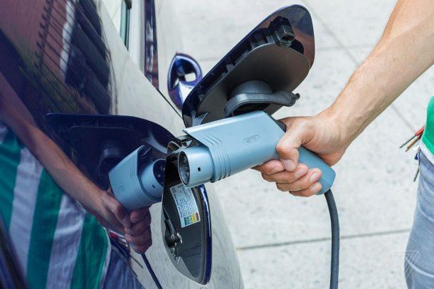फक्सवागनद्धारा सूरक्षाका कारण इलेक्ट्रीक कार चार्जिंग स्टेशनहरु बन्द