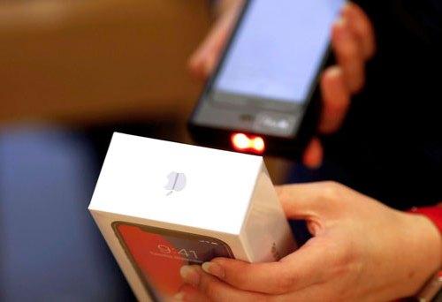 महँगा आइफोन भारतमा बनाउने फ्याक्ट्रीका लागि अनुमति, घट्न सक्छ मूल्य