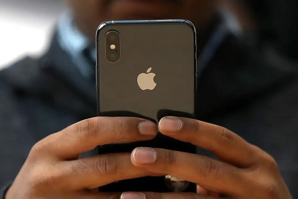 आईफोनको पछाडि हुने एप्पल लोगोलाई बटनको रुपमा प्रयोग गर्नुहोस्, थाहा पाउनुहोस् कसरी