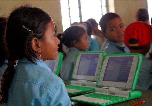 अनलाइनबाटै विद्यार्थीलाई पढाउन सकिने, यस्तो छ शिक्षा मन्त्रालयले ल्याएको सिकाइ निर्देशिका