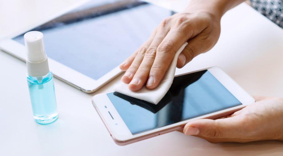 तपाईंको स्मार्टफोनको लाइफ बढाउने भए यी १० ठूला गल्तीहरू गर्दै नगर्नुस्