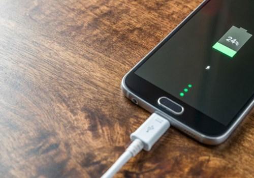 स्मार्टफोन चार्ज गर्दा यी सावधानीहरू अपनाउनुहोस्, फोनको ब्याट्रीको आयु बढ्नेछ