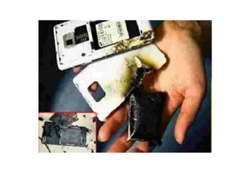 चार्ज गरिरहेको स्मार्टफोन अचानक विस्फोट हुँदा भारतमा ३ जनाको मृत्यु
