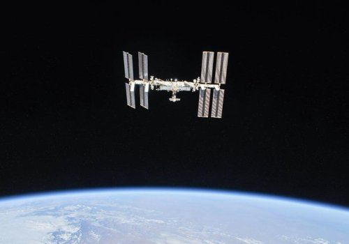 अन्तराष्ट्रिय अन्तरिक्ष स्टेशनमा मानिस पुगेको २० वर्ष पुरा, २४० अन्तरिक्ष यात्री र २३० वटा स्पेसवाक