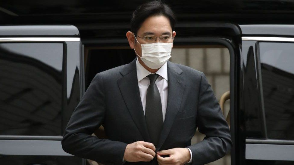 सामसङका उपाध्यक्ष लीलाई साढे २ वर्षको जेल सजाय