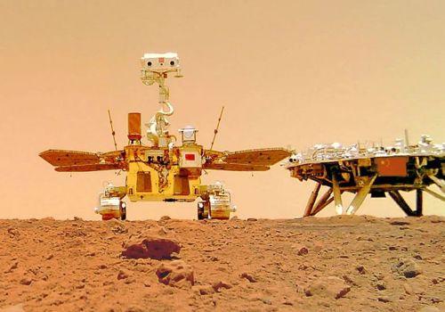 मंगल ग्रहमा पुगेको चीनको जुरोङ रोभरले खिच्यो सेल्फी तस्वीर