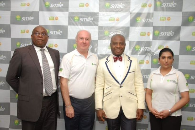 Jimi Awosika, Managing Director, Insight Communications (left); Tom Allen, Chief Operating Officer, Smile; Ernest Azudialu Obiejesi, Chairman and Lee-Ann Cassie, Chief Corporate Services Officer of Smile Communications Nigeria Limited at media event to announce the rollout of the company's broadband services in Lagos