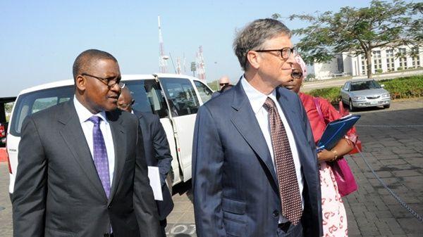 Bill Gates (right) and Aliko Dangote of Nigeria