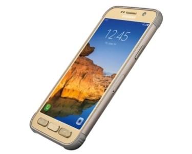 Samsung Galaxy S7 Active slant view