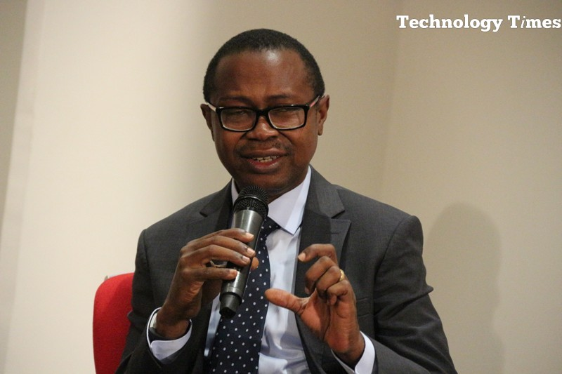 Tunji Adeyinka, Managing Director, Connnect Marketing, organisers of #TechPlus2016 , seen speaking at a #TechPlus2016 session