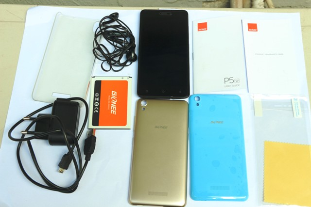 Gionee-P5W-Accessories-including-the-2-extra-plastic-back-covers-see-through-case-screen-guard-and-screen-wipe.