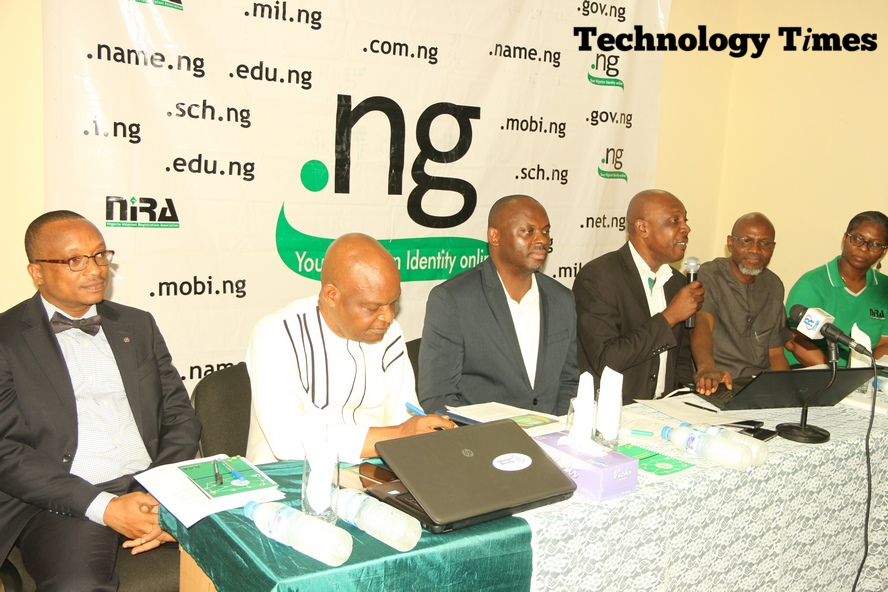 Reverend Sunday Folayan, President of Nigeria Internet Registration Association (NIRA), third from right, during the briefing the press conference on the 2017 .ng Awards