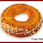 Une image contenant beignet, alimentation, donut Description générée avec un niveau de confiance très élevé