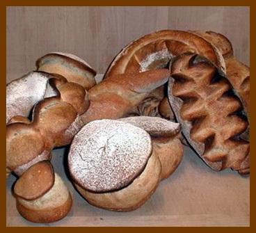 Une image contenant beignet, alimentation, intérieur, table Description générée automatiquement
