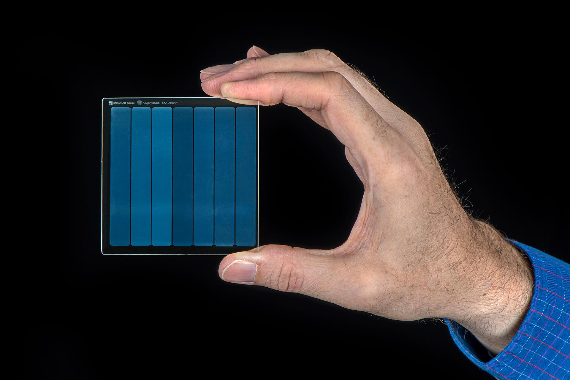Microsoft mise sur le verre pour le stockage des données