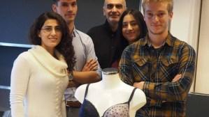 Le groupe d'étudiants de Master à l'École polytechnique fédérale de Lausanne (EPFL), photo crédit EPFL.