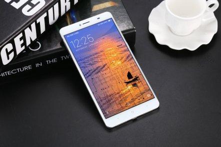 Design & Appearances: of DOOGEE Y6 Max 4G Smartphone