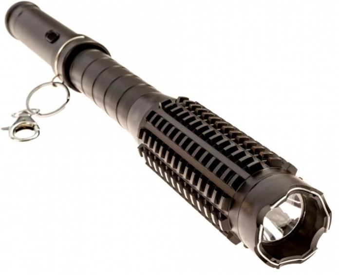 Safety Torch with Shock Effect_technosports.co.in