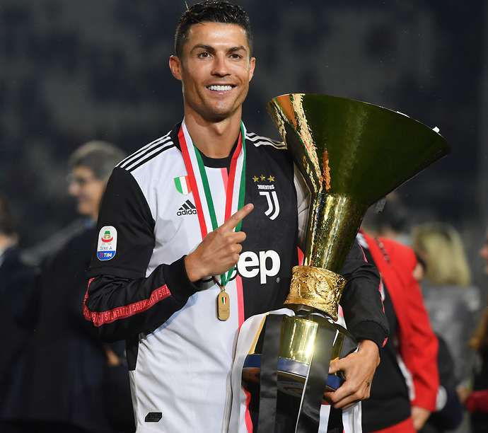 Cristiano Ronaldo wins the Serie A with Juventus