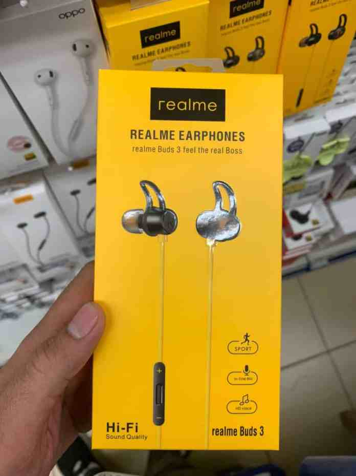 Realme Buds 3 retail box spotted in renders
