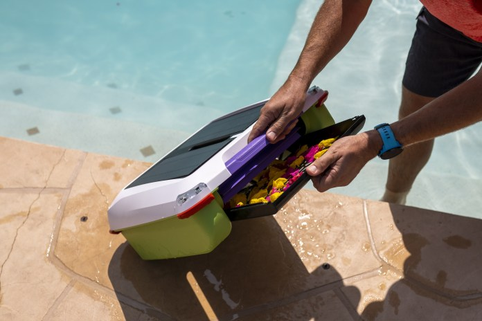 Ariel Pool Cleaning Robot -1_TechnoSports.co.in