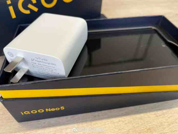 iQOO Neo5's 66W Flash Charger along with the retail box leaked