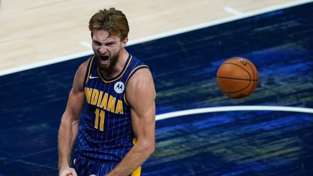 Domantas Sabonis has been averaging 21.6 points and 11.5 rebounds per game this season.