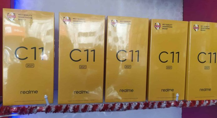 Realme C11 2021 Box Live Image and listing spotted in offline and online stores in India